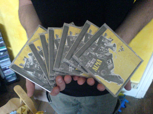 Les cds sont arrivs!